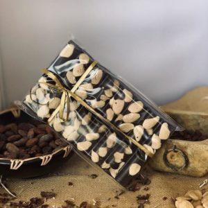 El Granero de la Abuela | Tienda online gourmet en Priego de Córdoba | Tabletón de chocolate puro con almendras. 300 Grs
